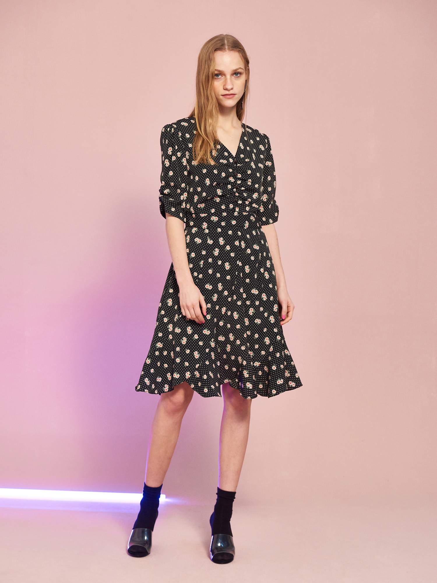 [BEST 15% OFF]Floral Leaf Shirring Dress in Black