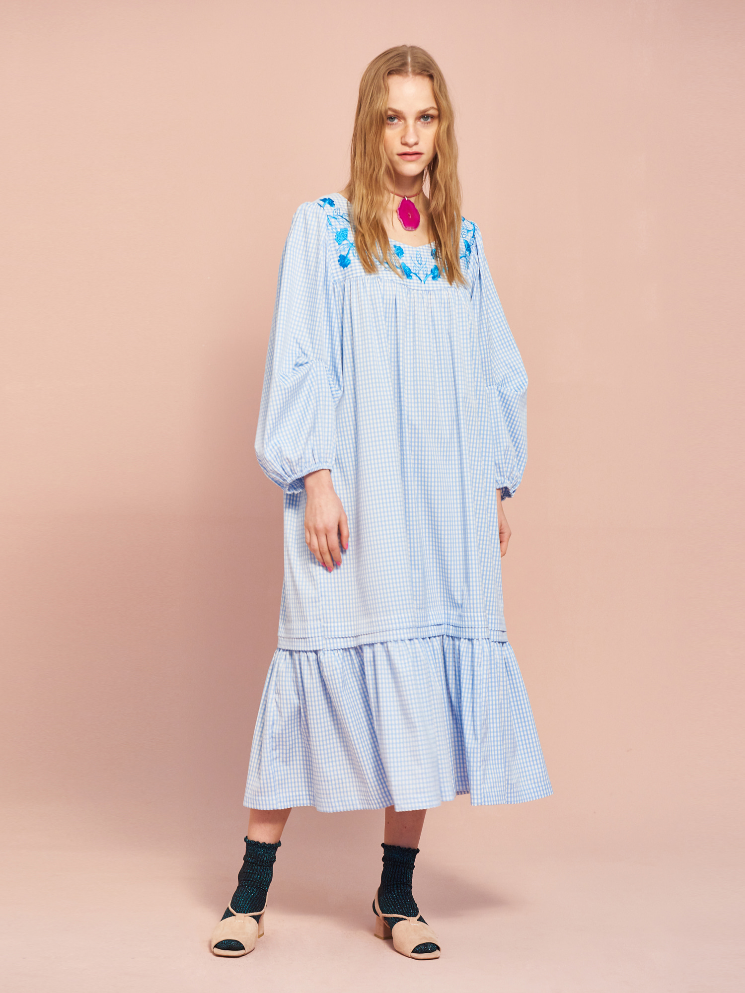 [MID SALE 50% 교환 및 반품불가]Gingham Embroidery Dress in Sky Blue